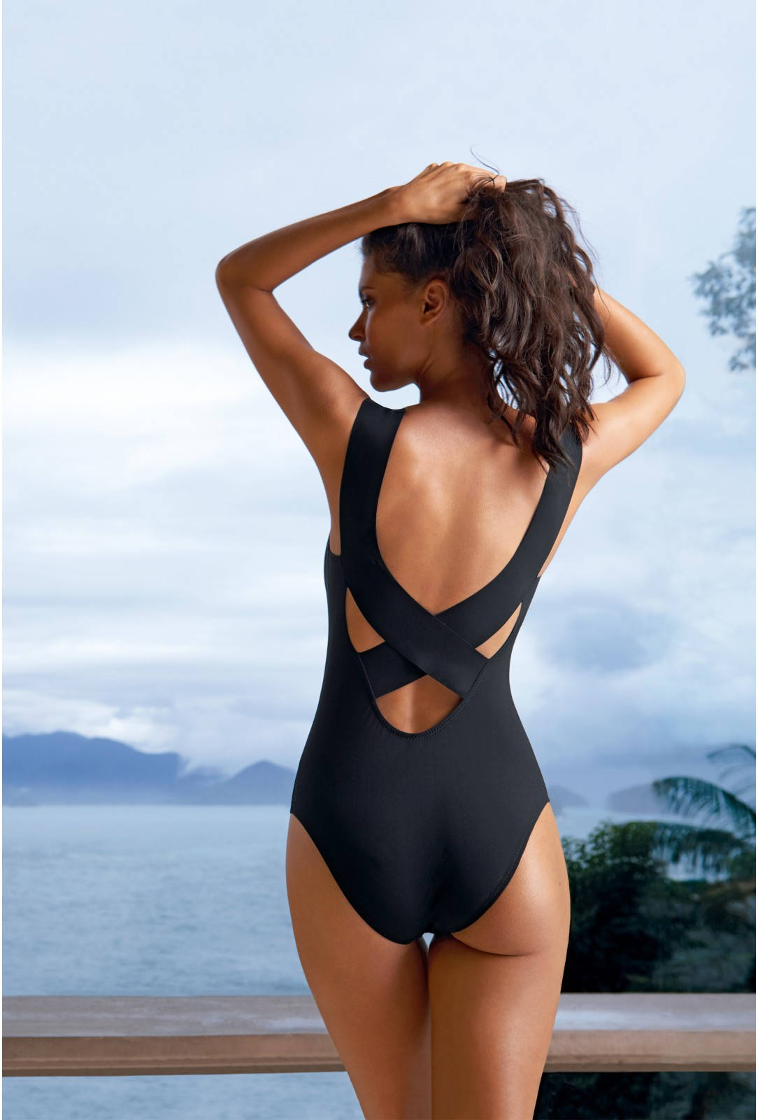 One-piece Swimsuit Soya PAIN DE SUCRE Black - Uni Life
