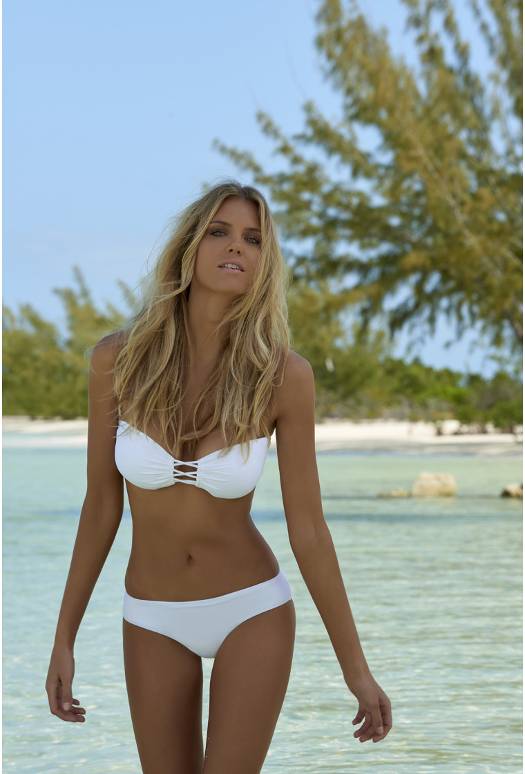 Two-piece bored between the cups in MELISSA ODABASH White - Maldives